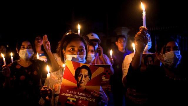 Xuống đường kỉ niệm ngày giỗ của người biểu tình năm 1988, thêm 2 người thiệt mạng ở Myanmar