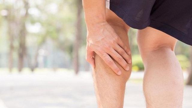 Triệu chứng ở chân cảnh báo cholesterol cao