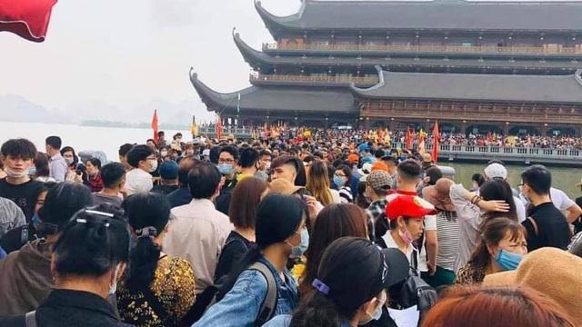 """Sau việc """"biển người"""" ở chùa Tam Chúc, Bộ Văn hoá, Giáo hội Phật giáo chỉ đạo gấp phòng, chống dịch Covid-19"""