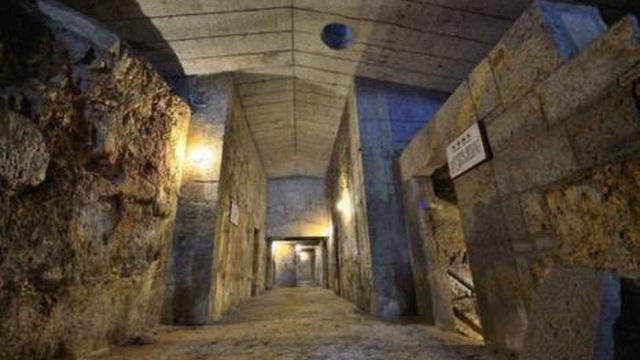 """Trộm mộ vơ vét """"kho báu"""" trong mộ cổ, bán được với giá 4 triệu NDT - Chuyên gia nói ngay: """"Có mắt như không"""""""