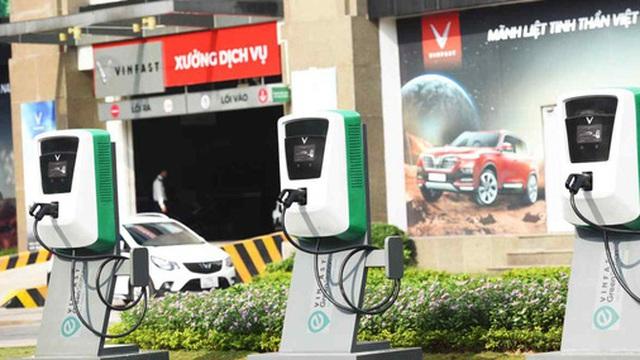Báo Nhật viết gì về việc Foxconn hợp tác VinFast sản xuất pin và bộ phận xe điện?