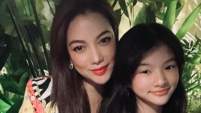 Nhìn lại loạt khoảnh khắc 'bùng nổ visual' của con gái Trương Ngọc Ánh: Mới 13 tuổi đã được dự đoán là Hoa hậu, đôi chân cực phẩm 'vượt mặt' cả mẹ