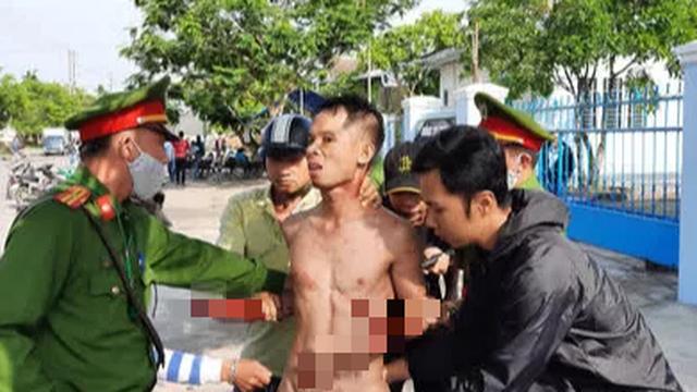 """Kẻ ngáo đá ở Quảng Nam tự cắt cổ, liên tục la """"giết người"""""""