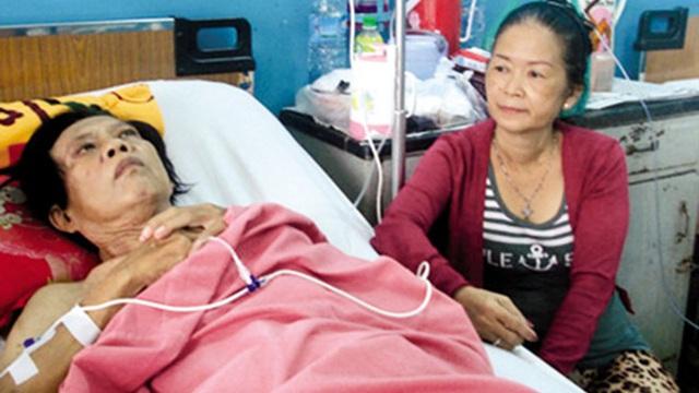 Chân dung vợ 3 chịu khổ cực, tận tình chăm sóc nhạc sĩ Vinh Sử lúc tuổi già, mắc ung thư