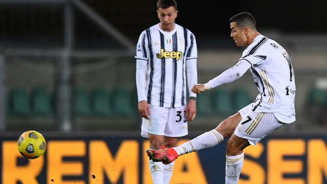 """Lập siêu kỷ lục nhưng Ronaldo sẽ khiến Juventus phải """"đau đầu"""" vì một thống kê dở tệ"""