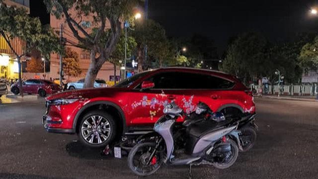 """Từ """"mật báo"""" của 2 học sinh, chủ cửa hàng điện thoại lấy ô  tô đuổi theo hai đối tượng nghi trộm xe máy"""