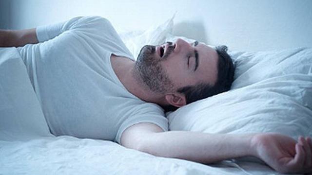Ngủ ngáy và ngưng thở khi ngủ cảnh báo nguy cơ đau tim