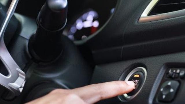"""Điều gì sẽ xảy ra nếu bạn quên tắt động cơ khi xuống xe - """"Bay màu"""" ngay tức khắc?"""