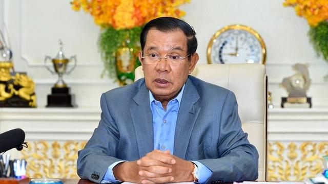 """Ông Hun Sen đòi ông Biden xóa khoản nợ """"ép Campuchia mua bom Mỹ giội xuống đầu dân Campuchia"""""""