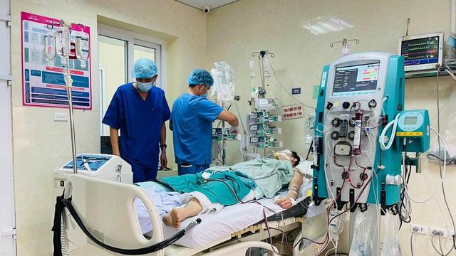 Chàng trai Hà Nội được 'làm lạnh toàn thân' cứu sống sau khi ngừng tim, ngừng thở