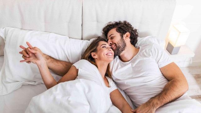Đời sống tình dục trong hôn nhân: 8 bí quyết 'vàng' dành cho mọi cặp đôi