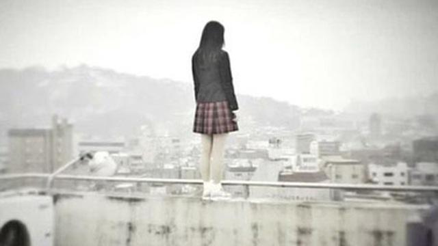 Nhảy sông tự tử bất thành ở tuổi 20, cô gái trẻ tiết lộ lý do cay đắng khiến nhiều người phẫn nộ