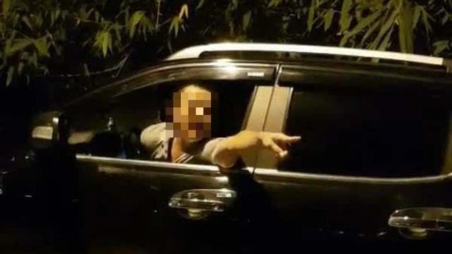 Làm rõ đối tượng xin bỏ qua cho xe tải vi phạm không được liền dọa đánh thanh tra giao thông