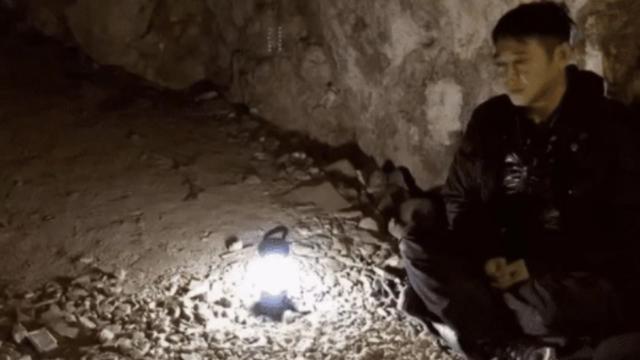 Hiện tại của Lý Liên Kiệt: Sống cô đơn, hàng ngày ngồi thiền trong hang, cơ thể tiều tụy