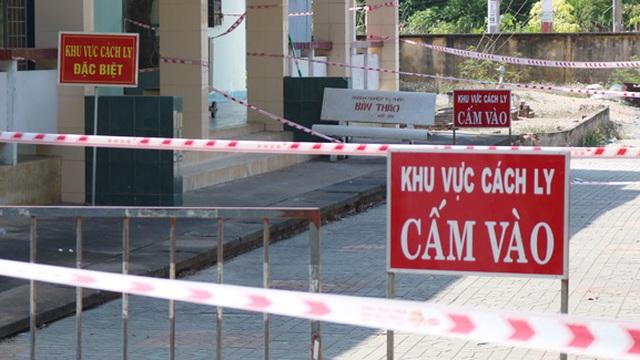 Cán bộ Hội nông dân xã gục trên vũng máu trong khu cách ly ở Long An