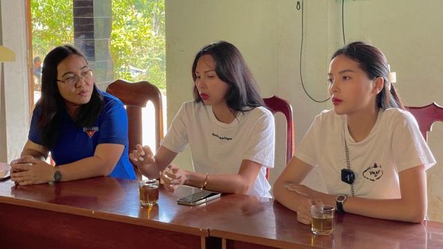 Minh Triệu đồng hành cùng Kỳ Duyên đi xây nhà cho người nghèo