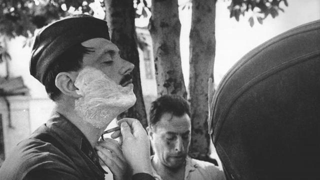 """Mẹo """"chống chết"""" của đội quân Liên Xô trong Thế chiến II: Tráo đồ để cái chết """"mù đường"""""""