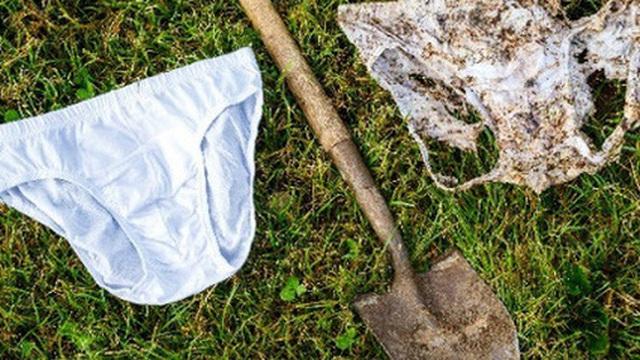Nông dân khắp thế giới đang chôn quần lót trên đất ruộng, tưởng trò đùa nhưng mục đích phía sau lại vô cùng nghiêm túc