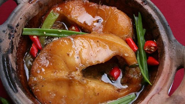 Bệnh nhân mang cá kho đến tái khám, BS ăn thử chỉ biết lắc đầu: 'Thủ phạm' gây bệnh ngay trong bữa ăn hàng ngày