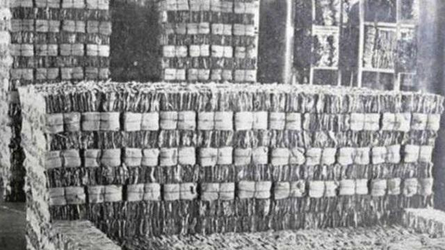 Kỳ tích 3 kiếp nạn của 10.000 bao tải văn vật quý hiếm nhất thế gian, không gì mua nổi từng bị coi giấy vụn