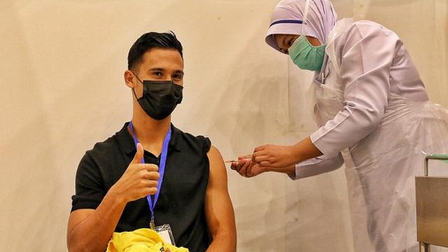 Đối thủ của tuyển Việt Nam gặp vấn đề khi tiêm vắc xin Covid-19