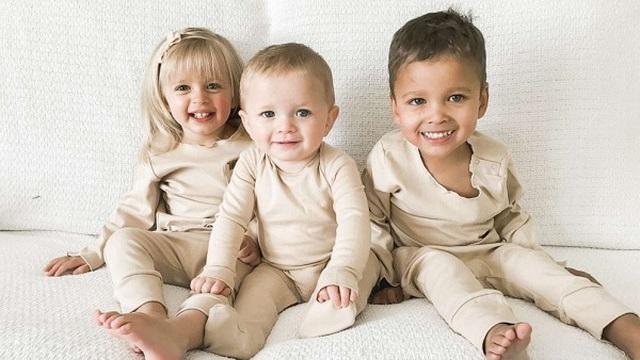"""Nhận nuôi 2 bé sơ sinh bị bỏ rơi tại cùng một bệnh viện, người phụ nữ """"vỡ òa"""" khi biết về xuất thân các con"""
