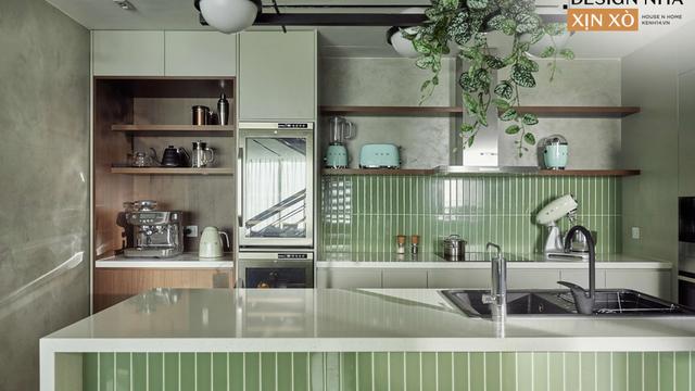 """Cặp vợ chồng """"chốt đơn"""" căn duplex vì có view sông Hồng nhưng căn bếp xanh mint mới là điểm nhấn khiến chị em phát cuồng"""