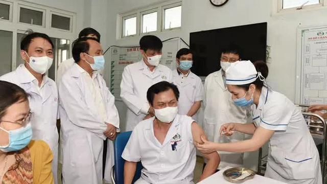 Kỷ lục mới của tiêm chủng vắc-xin Covid-19 tại Việt Nam