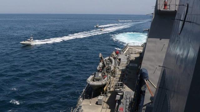 """Iran tuyên bố """"cắt đứt cánh tay"""" Mỹ ở vịnh Ba Tư"""
