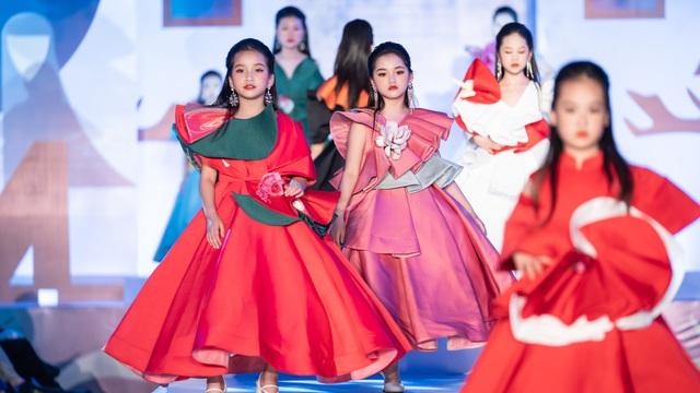 650 mẫu nhí hội tụ tại Đại hội Siêu mẫu nhí 2021