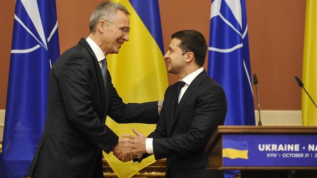 """Ukraine tự nhận mình là """"tiền đồn phía đông"""" của NATO"""
