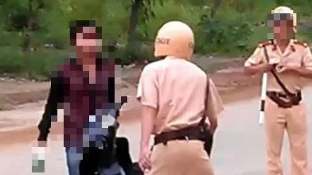 Xôn xao nghi vấn cán bộ quân sự huyện đấm cảnh sát giao thông