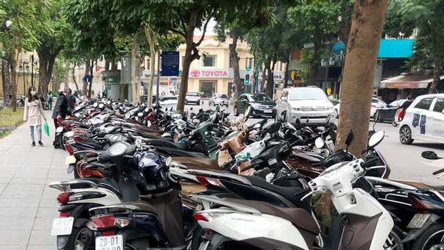 Sở GTVT Hà Nội 'bác' đề xuất kinh doanh trên vỉa hè 5 tuyến phố trung tâm