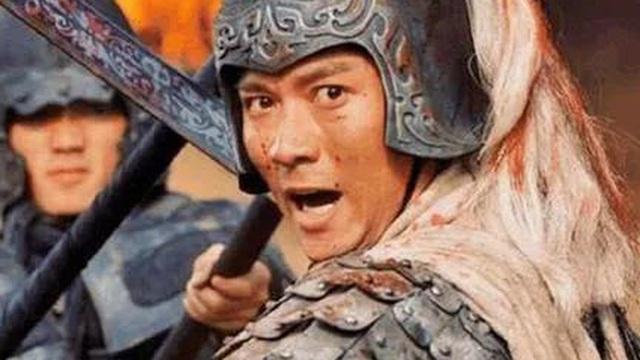 Bội kiếm Triệu Vân giả giá 700 triệu đồng lại là bảo vật độc tôn quý gấp hàng trăm lần