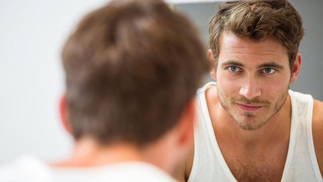 Tắm xong soi gương quan sát 11 bộ phận cơ thể: Cách tự phát hiện sớm nhiều bệnh để đi khám