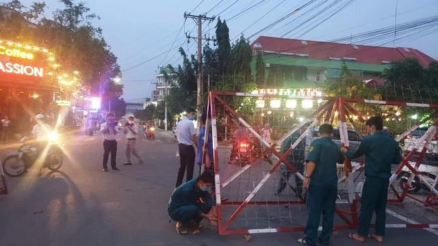 Xem xét xử lý hình sự người Trung Quốc trốn cách ly khiến cả khu dân cư phải phong toả