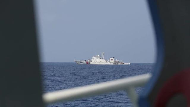 Phủ Tổng thống Philippines im hơi lặng tiếng khi tàu nhà bị chiến hạm Trung Quốc đuổi chạy