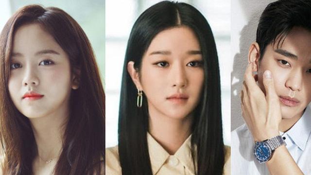 Baeksang 2021 gây tranh cãi: Seo Ye Ji dẫn đầu bất chấp phốt, Kim Soo Hyun - Song Joong Ki bị nam phụ Start Up cho 'ngửi khói'