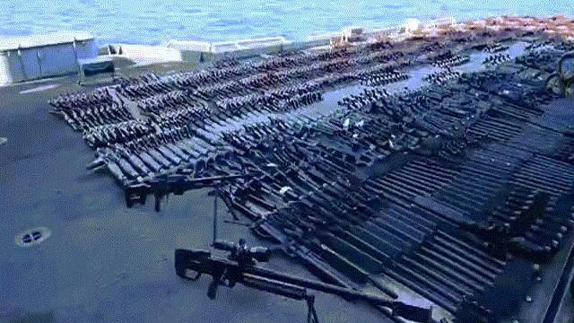 Hải quân Mỹ phát hiện hàng nghìn vũ khí TQ-Nga, mang rải kín một góc tàu chiến