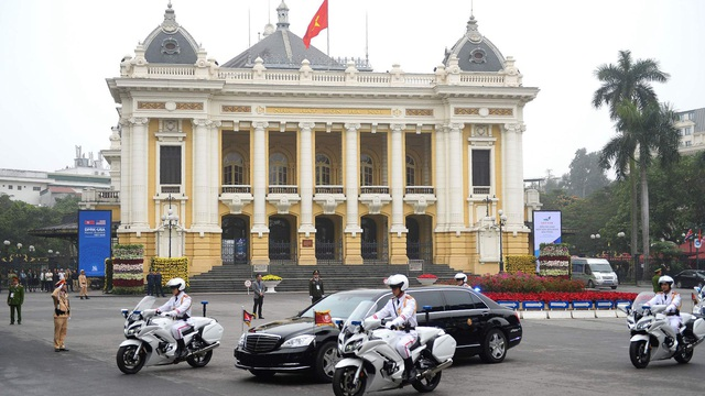 Triều Tiên tung loạt ảnh ngoại giao của ông Kim Jong-un: Nhắc tới tính lịch sử ở Hà Nội nhưng xóa bỏ một nơi