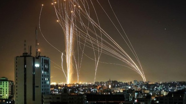 """Điểm yếu """"chết người"""" của Vòm Sắt khiến Israel nhận quả đắng trước Palestine"""