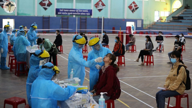 Một trường ĐH ở TP HCM ra thông báo tạm dừng thi học kỳ trước giờ G do dịch Covid-19