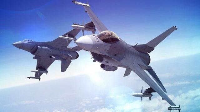 Bốn chiến đấu cơ F-16 Đài Loan cố ý xóa logo, bí mật bay tới Mỹ vào lúc nửa đêm