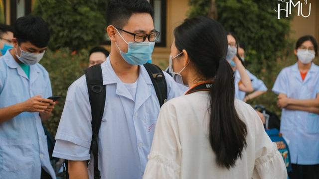 """Lá thư bác sĩ trẻ gửi người yêu từ tâm dịch Bắc Giang: """"Anh đi chưa biết bao giờ về, nhưng em đừng buồn"""""""
