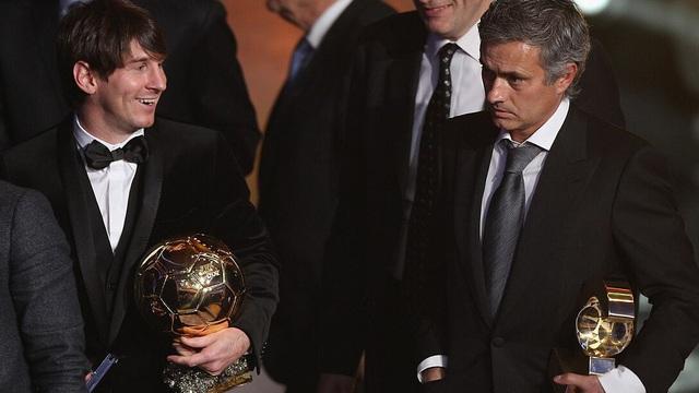 """NÓNG: Mourinho nhận lời dẫn dắt đội bóng không ai ngờ; Messi """"chốt hạ"""" với Barcelona"""