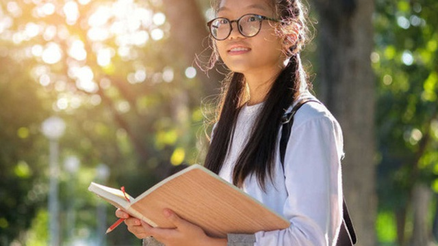 Cha mẹ chỉ học hết cấp 3 nhưng nuôi dạy con đỗ hẳn ĐH Stanford: Thiên tài trên đời này không thiếu, quan trọng là rèn cho trẻ những điều này từ nhỏ