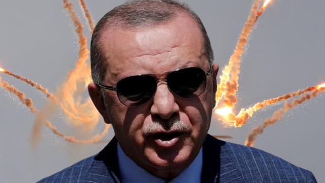 """Thoát """"cám dỗ"""" Nga, Thổ bênh Ukraine: NATO """"tưởng rủi mà lại may""""?"""