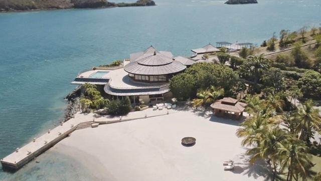 Bà Melinda thuê đảo riêng giá 132.000 USD/đêm nghỉ dưỡng giữa bão ly hôn với Bill Gates