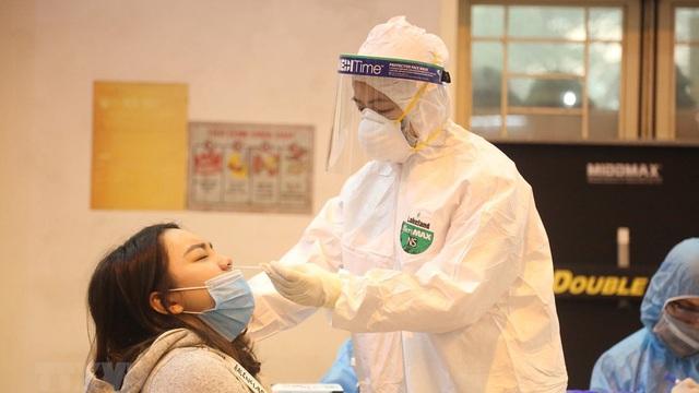 NÓNG: Hà Nội phát hiện 5 ca dương tính SARS-CoV-2, trong đó có 4 học sinh cùng lớp