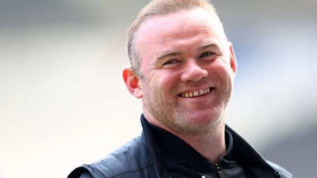 Đội bóng của Rooney thoát hiểm ngoạn mục trong 2 phút ở vòng cuối giải hạng Nhất Anh